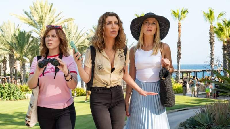'Bridesmaids' Fans Will Love Netflix's New Film 'Desperados'