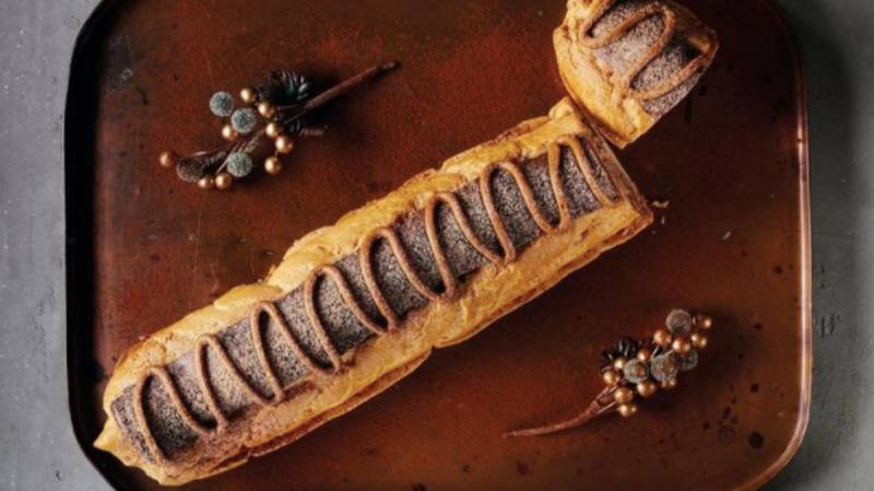 Asda Is Selling A Giant Chocolate And Caramel Eclair That Serves 10 People