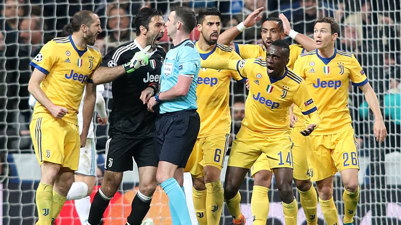 Gianluigi Buffon Apologises For His Behavior Towards Michael Oliver