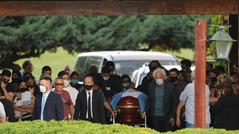 Funeral Worker Who Took Selfie With Diego Maradona's Corpse Begs For Forgiveness As Lawyer Declares Legal Action