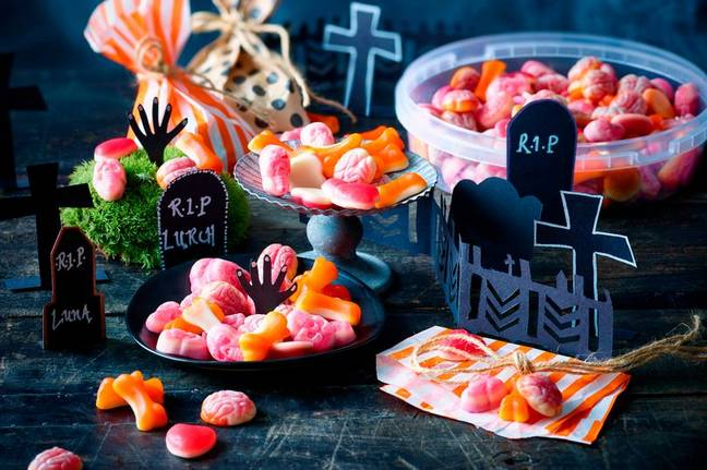 Ghoulish Graveyard Treats Tub, £4. Credit: M&S