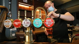 Customers Must Give Names When Entering Pubs, Restaurants And Bars