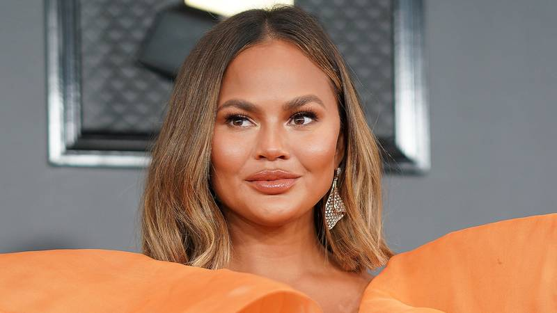 Chrissy Teigen Admits She Felt 'Guilty' For Using Formula Milk Instead Of Breastfeeding