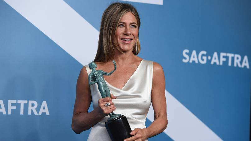 Jennifer Aniston Stands Up For Adam Sandler In SAG Awards Speech
