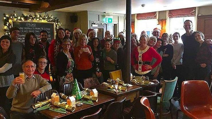 Pub Offers Free Christmas Dinners For Anyone Who's Going To Be Alone