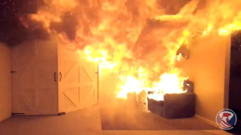 Shocking Video Shows How Quickly Fire Can Spread Due To Unwatered Christmas Tree