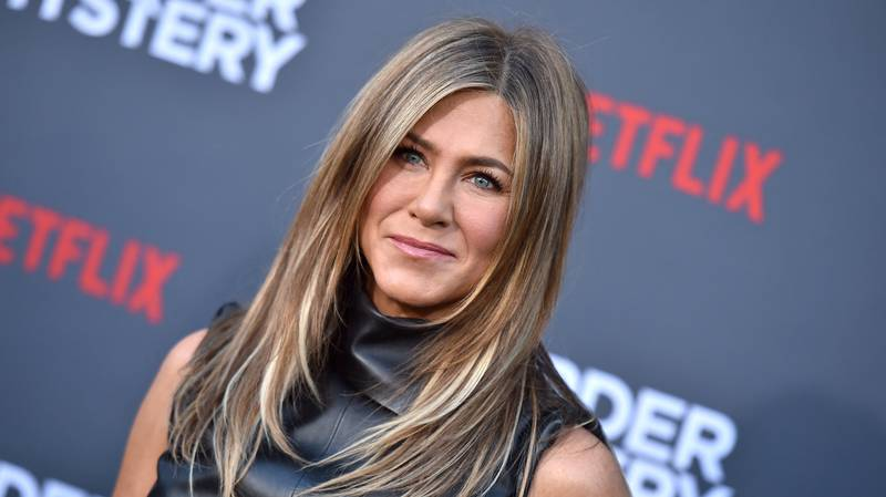 Jennifer Aniston Joins Instagram And Shares Friends Reunion Snap